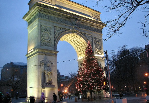 Washington-Square-Park-Christmas-Tree.jpg