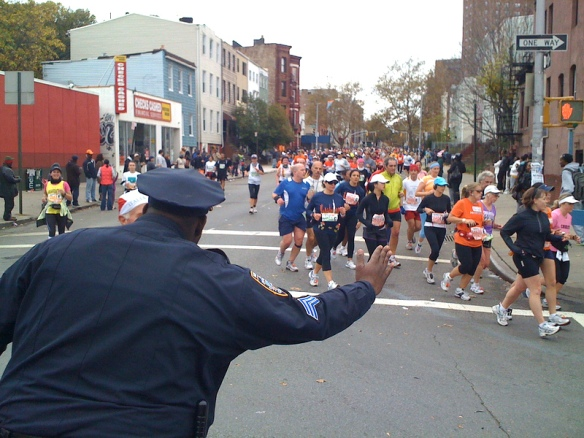 NYPD-Cops-High-Five-NYC-Marathon-Route.jpg
